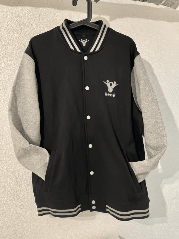Textildruck Tshirts bedrucken lassen College Jacke Übersicht GrauSchwarz Ansicht Vorne